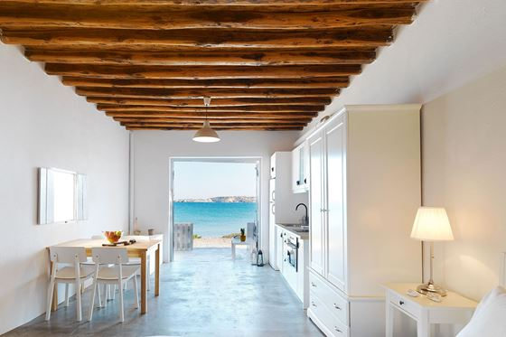 Τhalassa Beach House